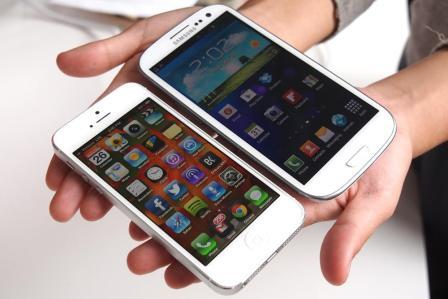 apple-iphone-protiv-samsung-galaxy-rejtingi-prodazh-iphone-i-galaxy---------