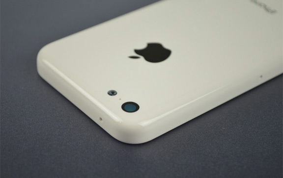 foto-iphone-5c-oficialno-predstavleno-smi-izvestna-cena-2