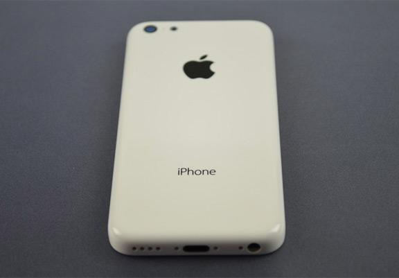 foto-iphone-5c-oficialno-predstavleno-smi-izvestna-cena-7