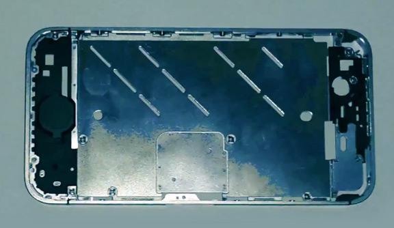 v-set-popalo-video-s-alyuminievoj-ramkoj-iphone-6