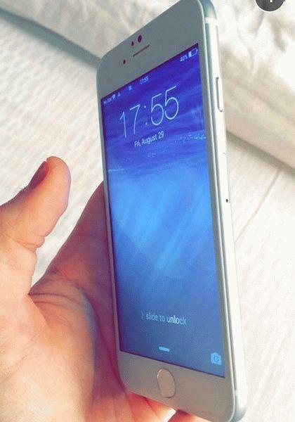 vklyuchennyiy-iphone-6-s-displeem-4-7-dyuymov-foto