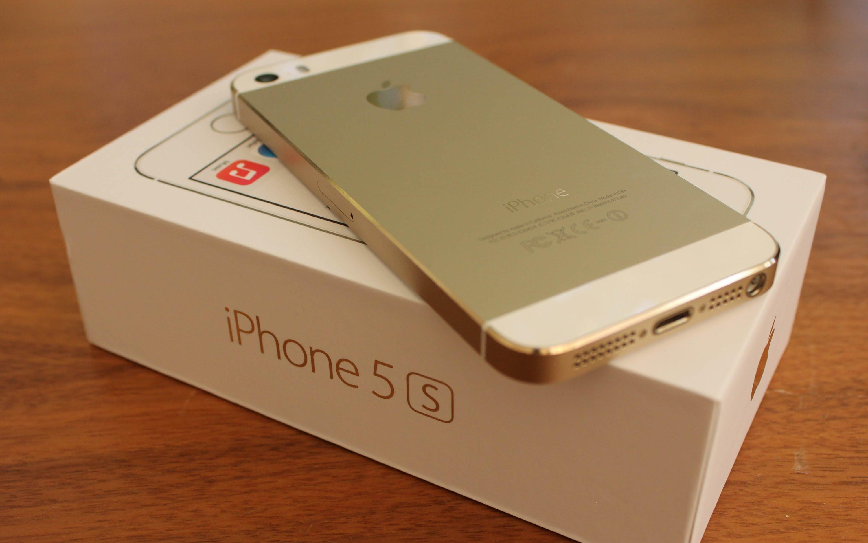 reselleryi-snizhayut-tsenu-na-iphone-5s-pered-vyihodom-iphone-5e