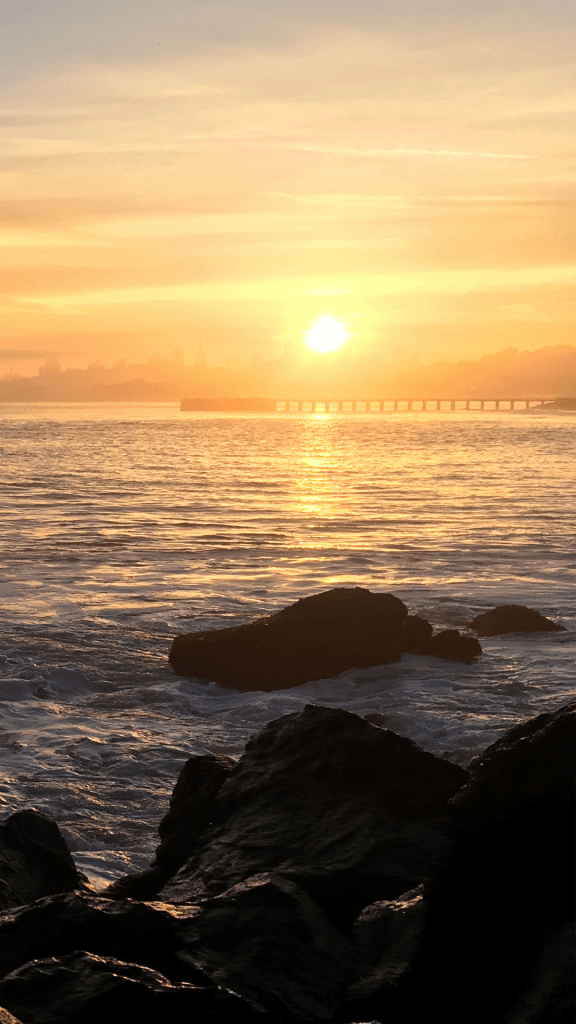 Sunset-iPhone-SE-left-iPhone-576x1024