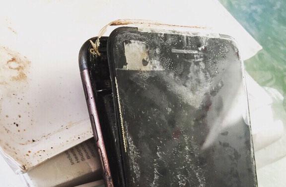 Горелый iPhone 7