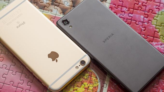 iPhone 6s и XPeria