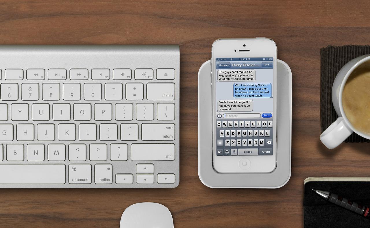 saidoka-dok-stanciya-dlya-iphone-i-ipod-touch-2