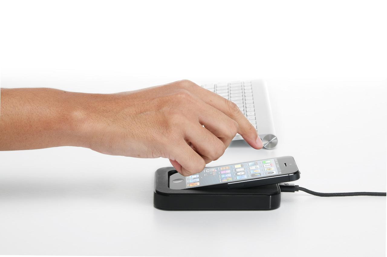 saidoka-dok-stanciya-dlya-iphone-i-ipod-touch