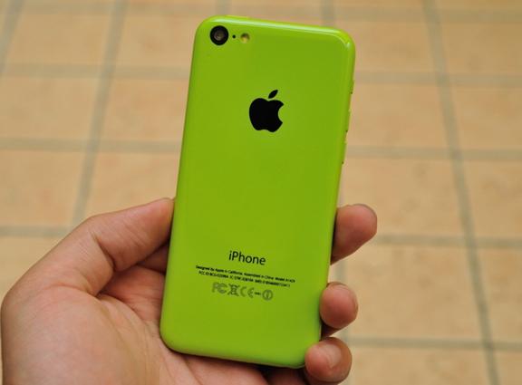 novye-foto-iphone-5c-obnaruzhili-novyj-cvet-smartfona--------