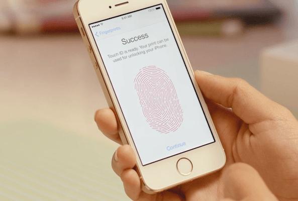 apple-rasskazala-podrobnosti-o-skanere-opredeleniya-otpechatkov-palcev-v-iphone-5s