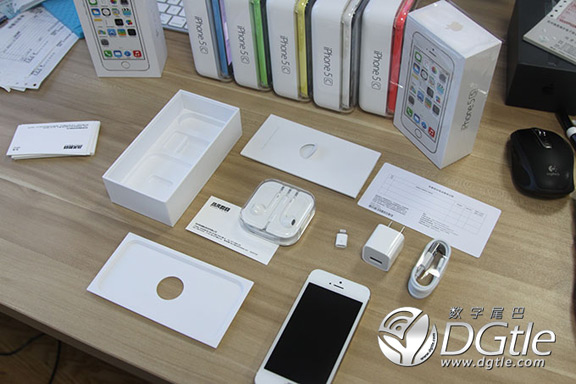 iphone-5c-raspakovali-video