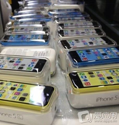 kak-vyglyadit-iphone-5c-v-upakovke-svezhie-fotografii-iz-kitaya-