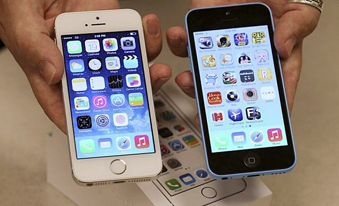 kak-kupit-iphone-5s-i-iphone-5c-cherez-rossijskij-onlajn-magazin-apple-store-1