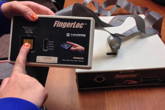 rannij-prototip-skanera-otpechatkov-palcev-touch-id
