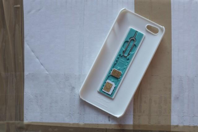 simplcase-kejs-dlya-iphone-5-dlya-xraneniya-sim-kart