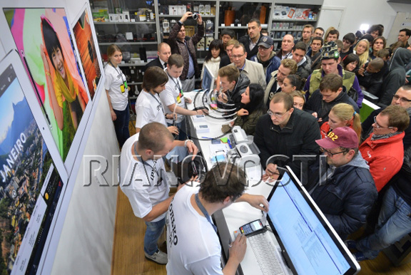 v-rossii-startovali-prodazhi-iphone-5s-i-iphone-5c--