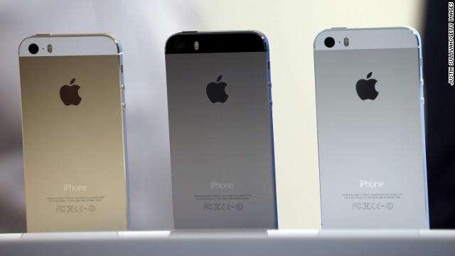 apple-testiruet-iphone-s-sapfirovym-displeem