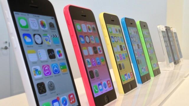 apple-nachala-prodazhi-iphone-5c-s-8gb-obemom-vstroennoj-pamyati-