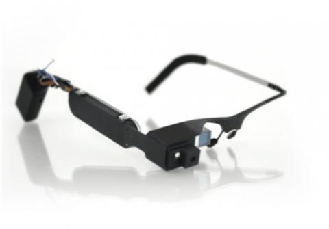 ochki-dopolnennoj-realnosti-google-glass-evolyuciya-mify--------