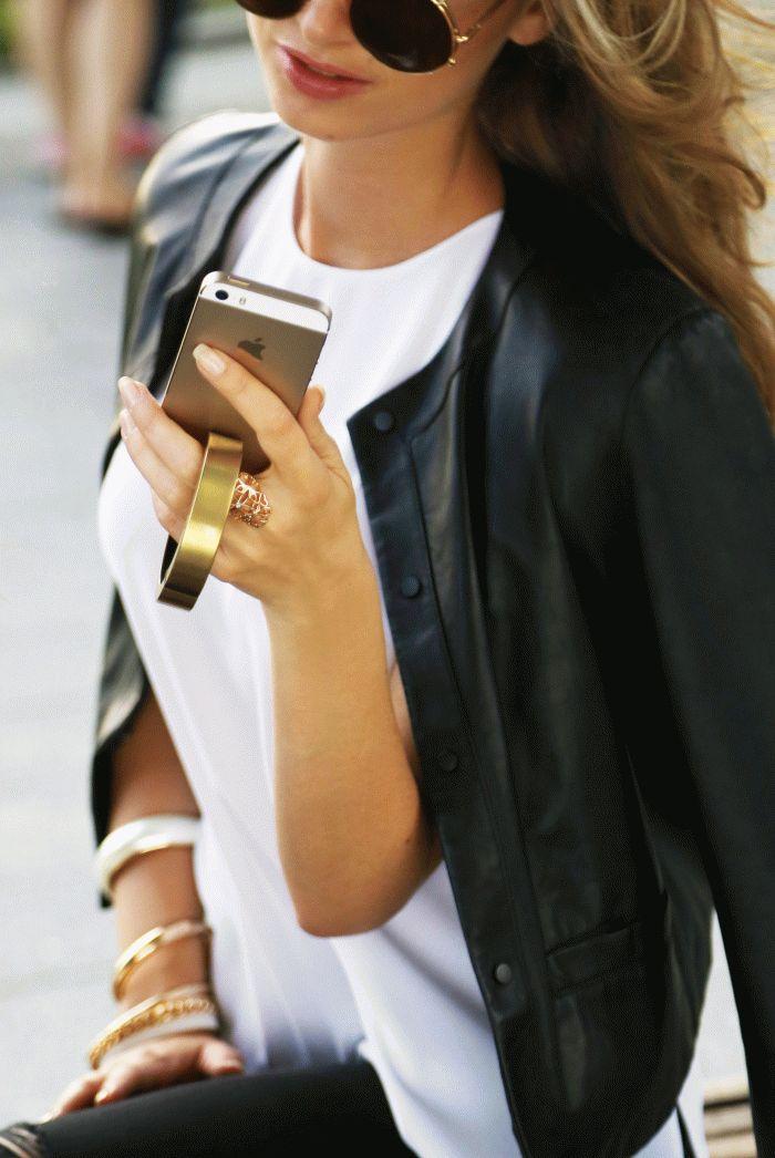 modnyiy-braslet-qbracelet-zaryadit-vash-iphone-ili-ipad--