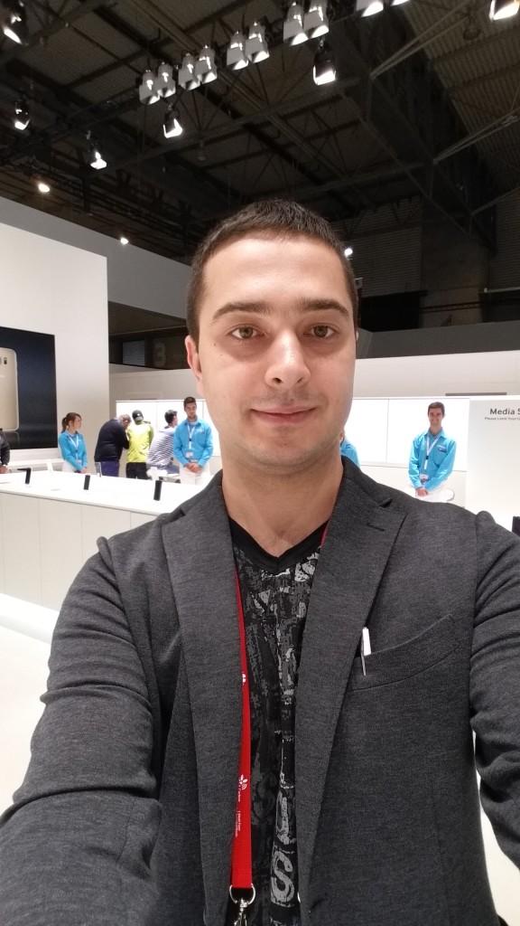 Galaxy-Note-4-selfie-2