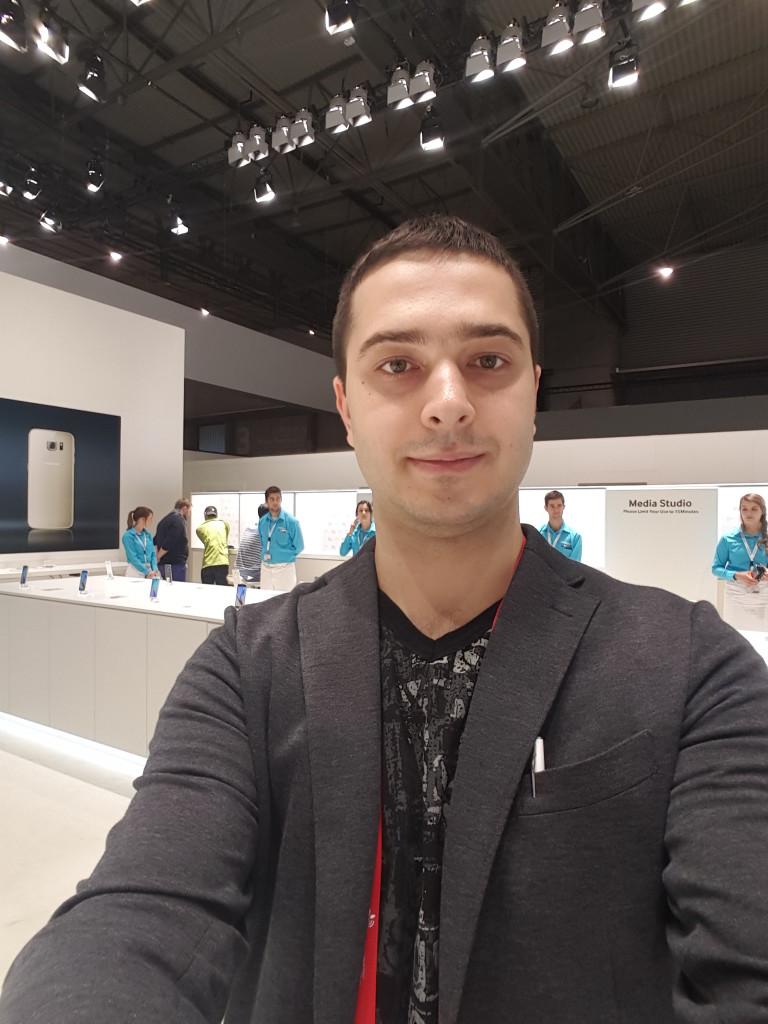 Galaxy-S6-edge-selfie-2