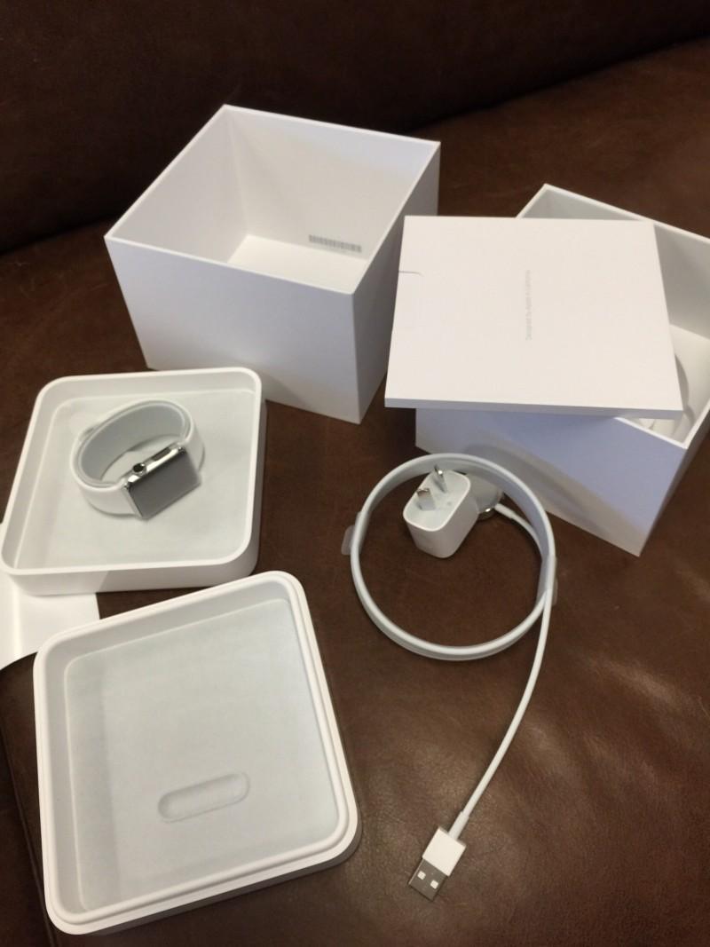 Apple Watch в коробке