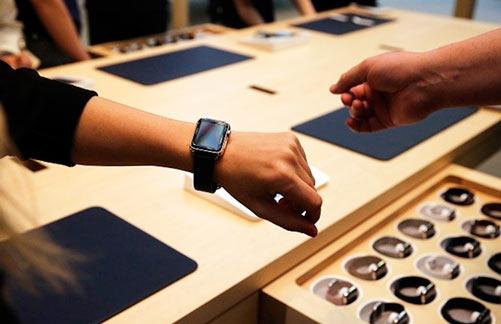 Apple Watch в Apple Store