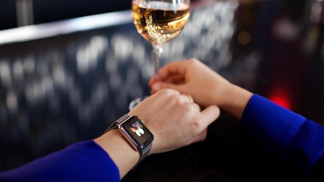 korpus-apple-watch-2-budet-na-40-tonshe