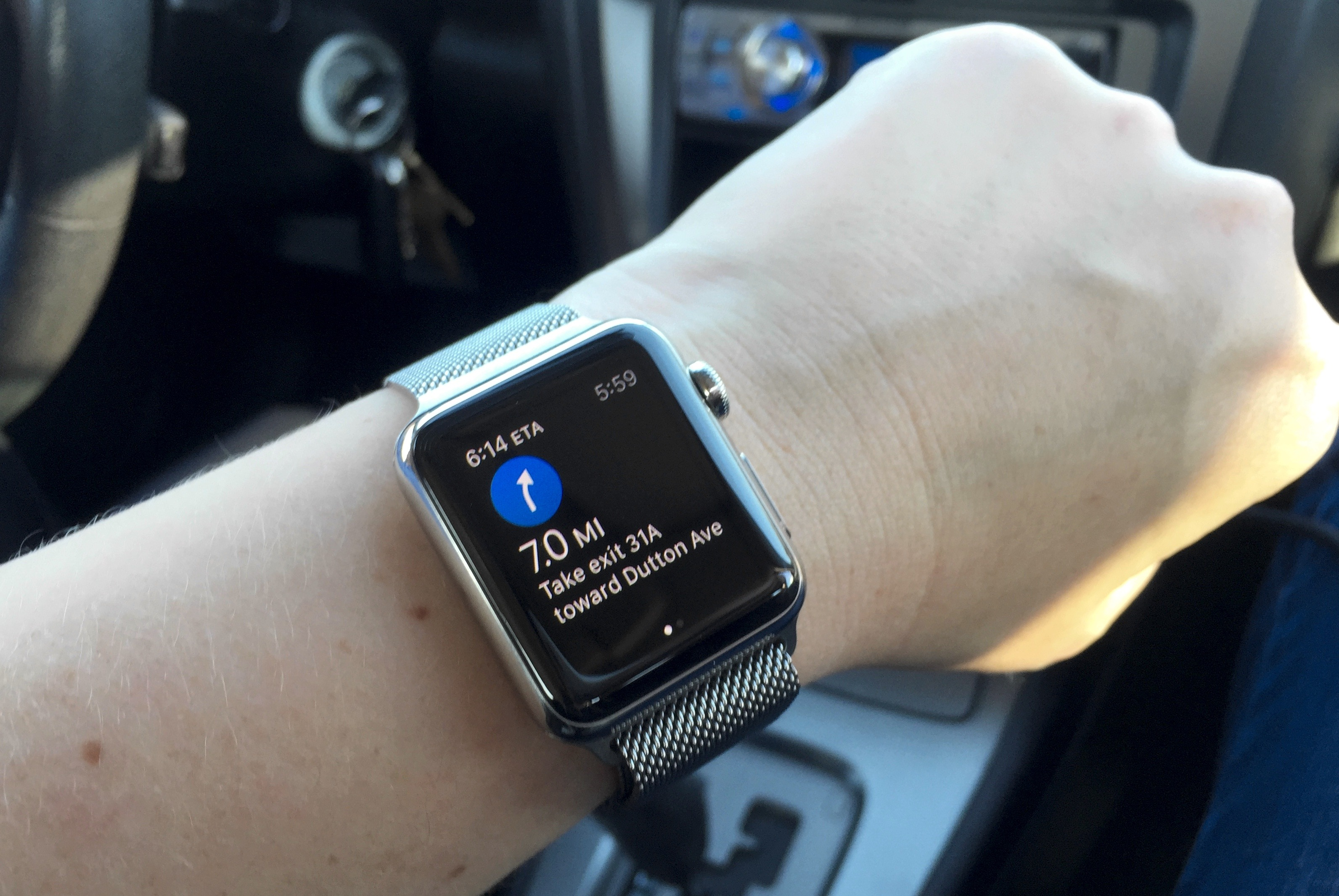 apple_watch_maps_in_car-100582999-orig