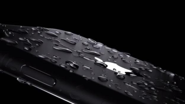 Вода на iPhone 7